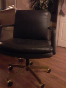 4 BEAUTIFUL LEATHER OFFICE CHAIRS