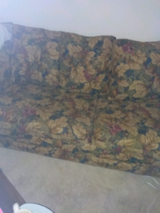 Hied a bed couch