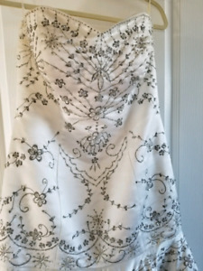 Gorgeous wedding gown with beautiful bead work.