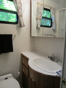 32' Glendale - Golden Falcon 5th Wheel - $10,200.00 Kawartha Lakes Peterborough Area image 9