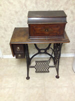 Beautiful Antique Singer Sewing Machine! $150
