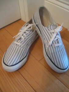 ATTRACTIVE PAIR SPERRY TOP-SIDER RUNNING SHOES