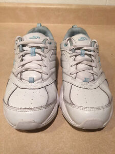 Women's Dr. Scholl's Shoes Size 7 London Ontario image 7
