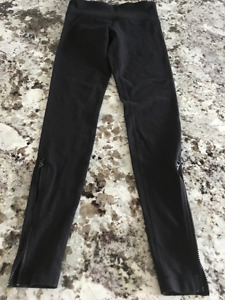 Lululemon zippered full length tights