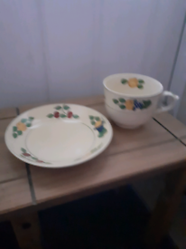 Tea cup and plate/ saucer