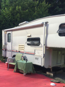 1993 20 FT TERRY RESORT BY FLEETWOOD 5TH WHEEL
