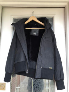 Aritzia TNA Jacket Size XL - LIKE NEW CONDITION