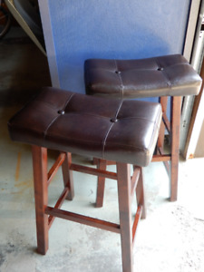 SADDLE CHAIRS