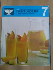 7 pieces jug set still in the box
