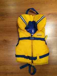 Roots Outdoor Youth Life Vest - 40-90 lbs / 18-41 kg