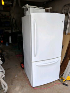 GE fridge - white