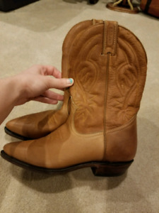 Leather cow girl boots size 7-7.5
