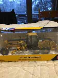 Caterpillar 14M Collectible diecast scale model