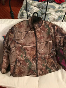 Camouflage insulated hunting jacket and bib for sale