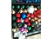 SELECTION OF CHRISTMAS TREE DECORATIONS