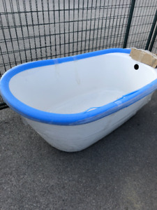 *NEW* freestanding tub