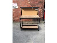 Work bench with electric