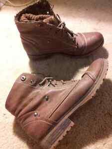 Size 9 boots Peterborough Peterborough Area image 1