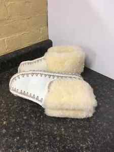 AUTHENTIC SHEEP SKIN SLIPPERS London Ontario image 6