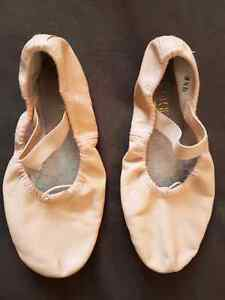 Pink Ballet Shoes Bloch Size 2.5 London Ontario image 1