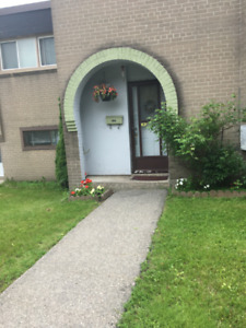 3 beds Townhouse  in North York for $2100