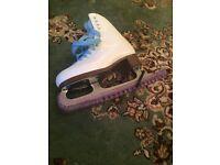 Jackson skates (zip on bag broken)