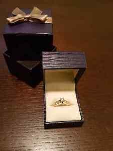 Gold Diamond Ring. 1 Carrat Diamond Count