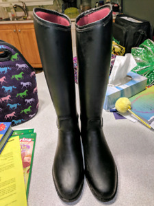 Tall boots, size 2