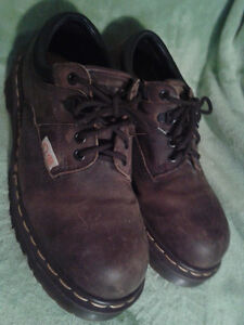 DR. MARTEN SIZE 7 STEEL TOE SAFETY SHOES WITH MINT SOLES! BROWN