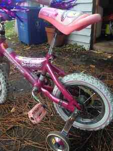 Girls bike with training wheels with bells and whistles Cornwall Ontario image 4