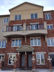 Brand New 2 bedroom Condo Town Home in Oakville. Good Location