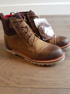 TOMS *NEW* Waterproof Brown Burnished Leather Boots