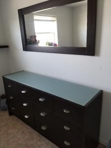 Dresser 65x18x33)