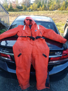 Mustang floater suit size large