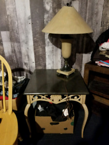 Bombay Shell coffee and end tables with lamp