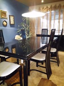 Ensemble salle à dîner Bois laqué noir -Table, 6 chaises, Buffet