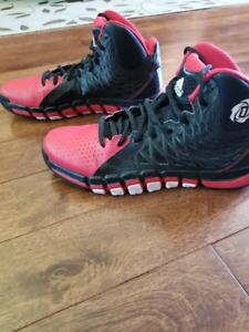Derrick Rose 773 II Size 9 mens 9.5/10 cond RED/BLACK/WHITE