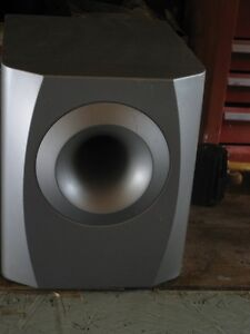 3 pioneer speakers and 1 impedance 6 ohm sub woofer London Ontario image 2