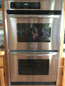 Used Frigidaire Double Oven FOR SALE