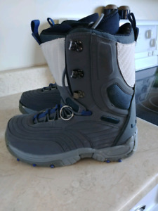 Ladies size 9 snowboard boots