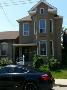 Full house rental in prime Hamilton location