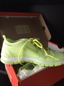 Nike Women's Free Run 5.0 Size 11  BRAND NEW IN BOX $50