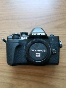Olympus OM-D E-M10 Mark III camera body (black), Wi-Fi enabled,