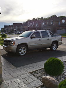 2008 CHEVROLET AVALANCHE LT  ONLY  78,400 KMS ONE OWNER