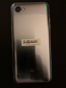 LG Q6 - 32GB - Unlocked - 2 Months Old - Case/Charger