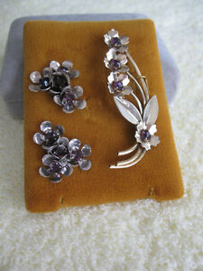 CHARMING OLD 3-PIECE SET of STERLING SILVER BROOCH & EAR RINGS