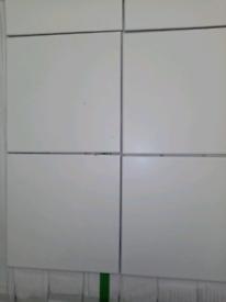 3m2 job lot £15 20x20 matt White tile
