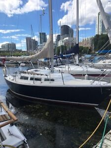 REDUCED! 1985 Catalina 27 ft with new furler.