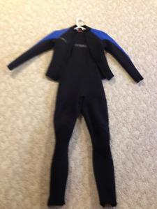 Oneill 2 Piece Size 6 Ladies Wet Suit