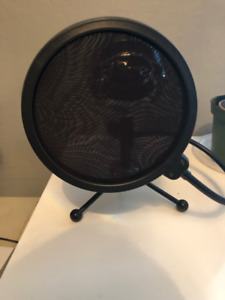 Blue USB Snowball Microphone and Pop Filter